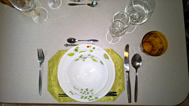 Glasses, plates and cutleries (Deluxe course)